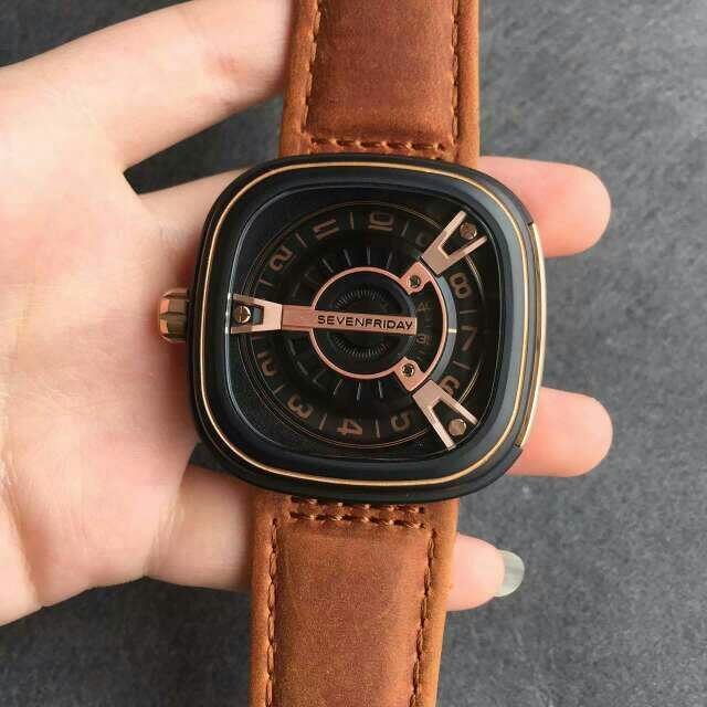 Replica SevenFriday M2-2 on Hand