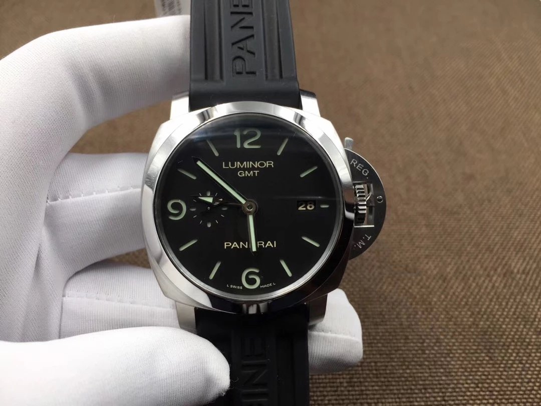 V6 Replica Panerai Luminor GMT PAM 320