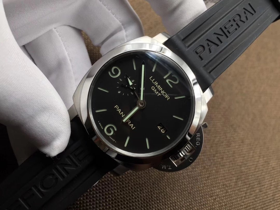 V6 Replica Panerai PAM 320 V2 Version