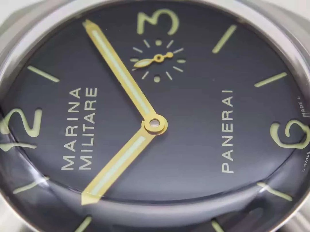 PAM 217 Small Second Hand