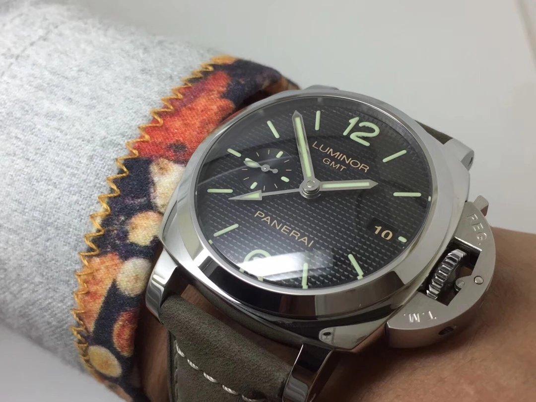 PAM 535 Wrist Shot 1