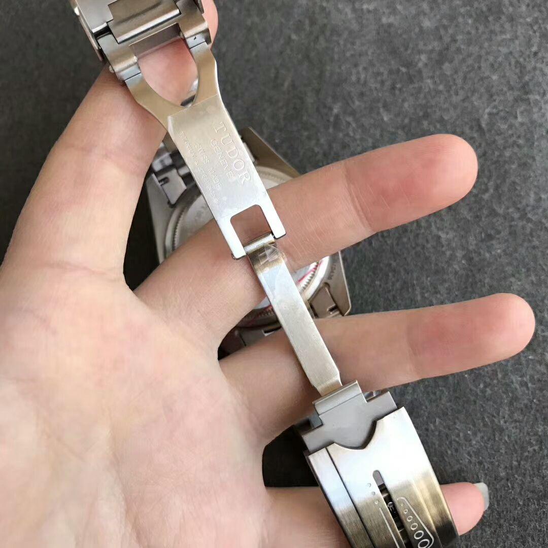 XF V3 Replica Tudor Pelagos Clasp