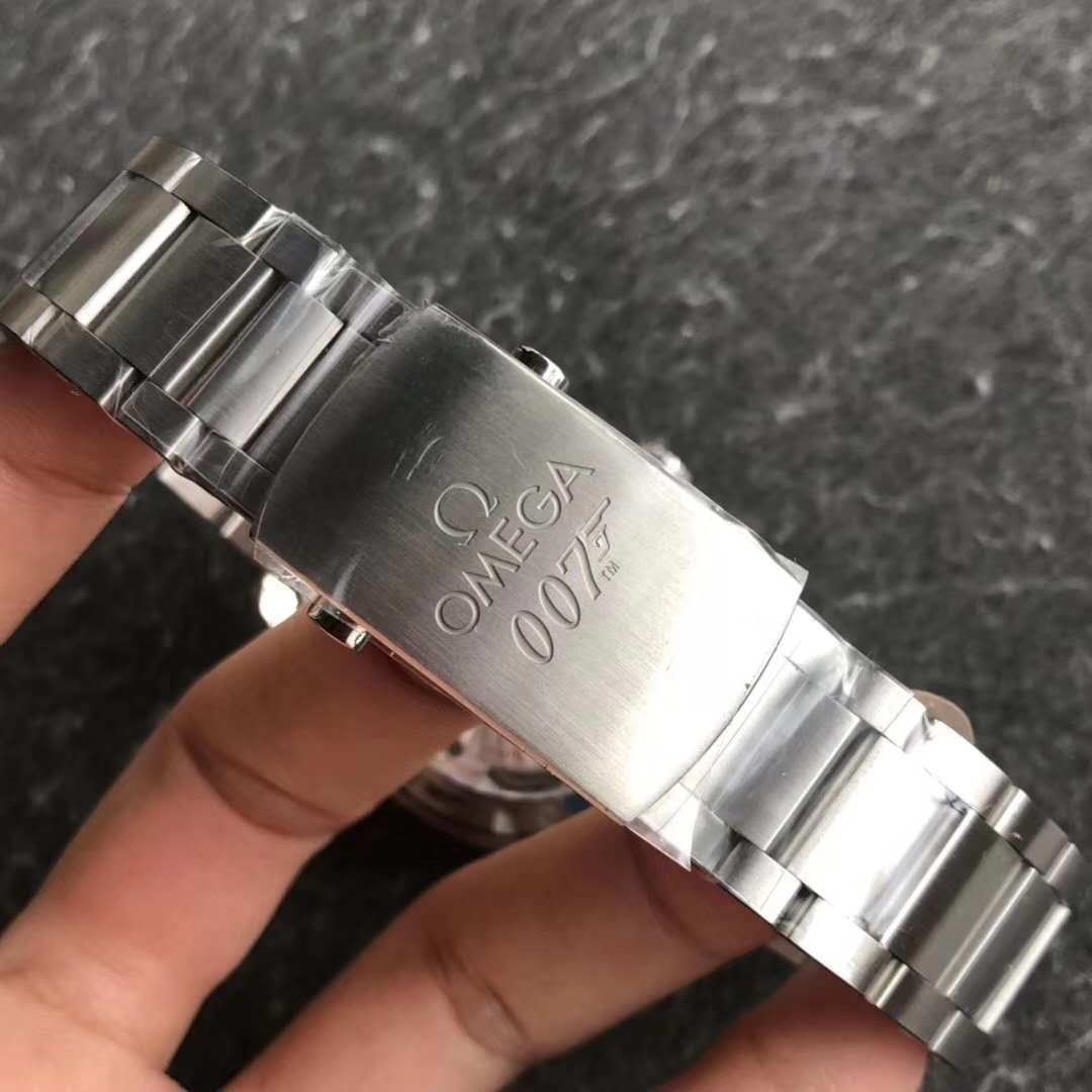 Omega Spectre 007 Buckle Engraving