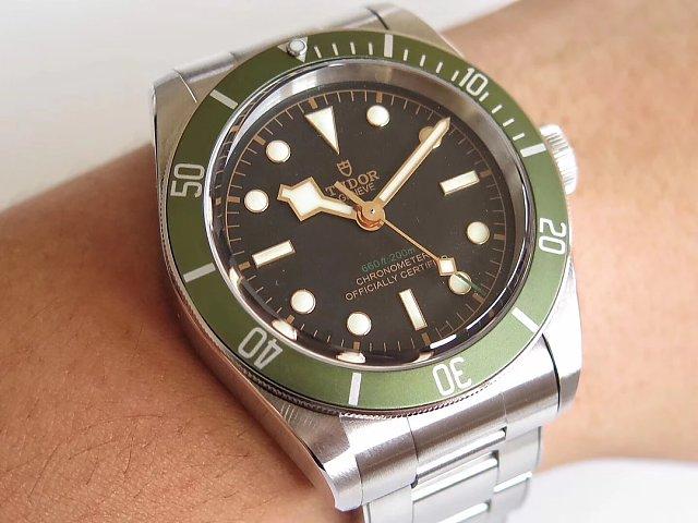 Replica Tudor Green Wrist Shot