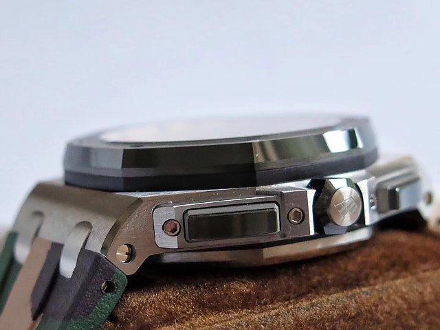 Replica Audemars Piguet Green Crown and Chronograph Buttons