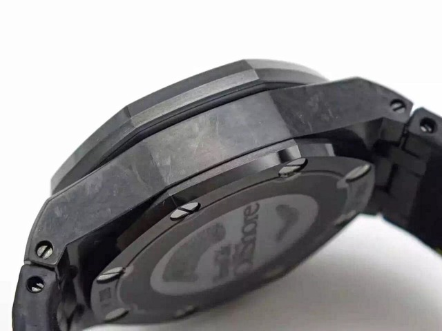 Forged Carbon Case on AP