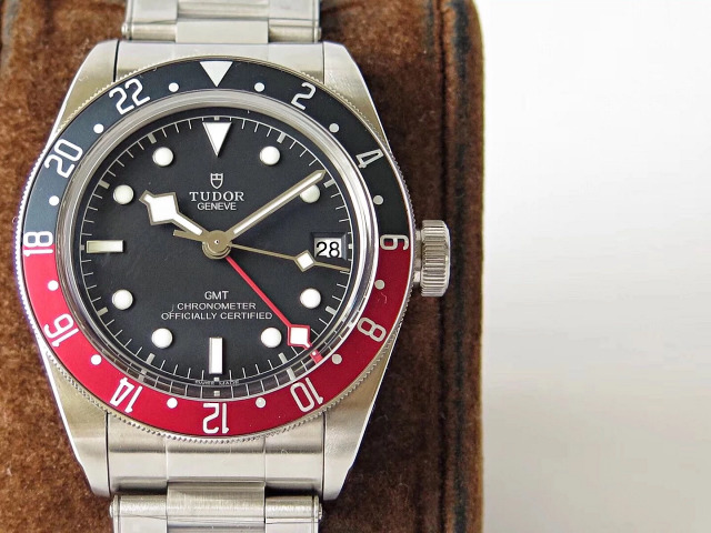 Replica Tudor Black Bay GMT Blue Red