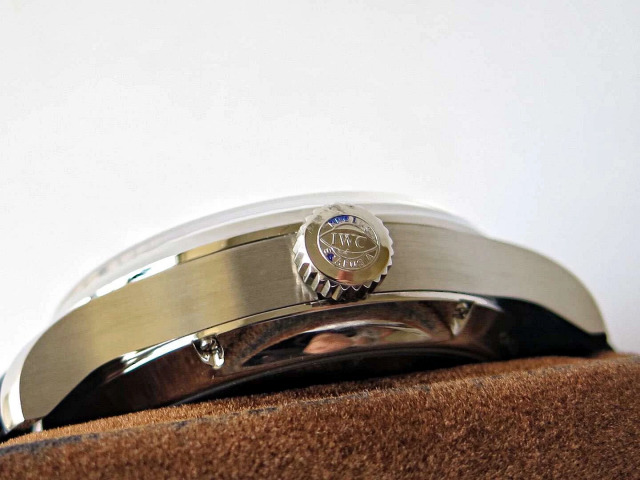 IW503502 Crown