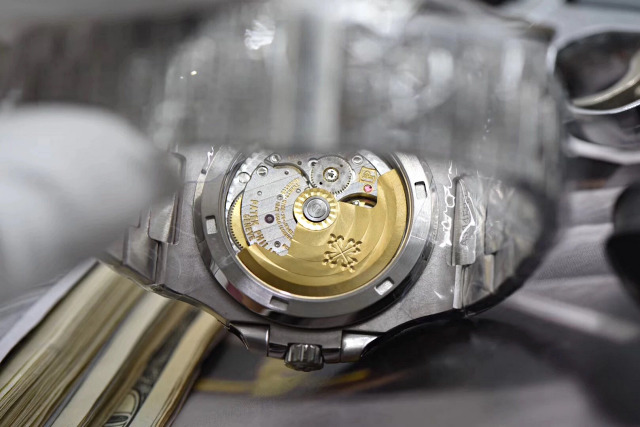 Replica Patek 5711 Crystal Back
