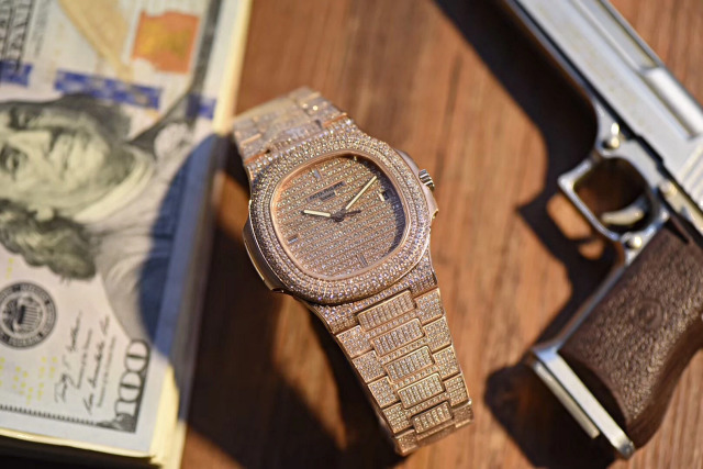 Replica Patek Philippe 5711 Full Diamond Rose Gold