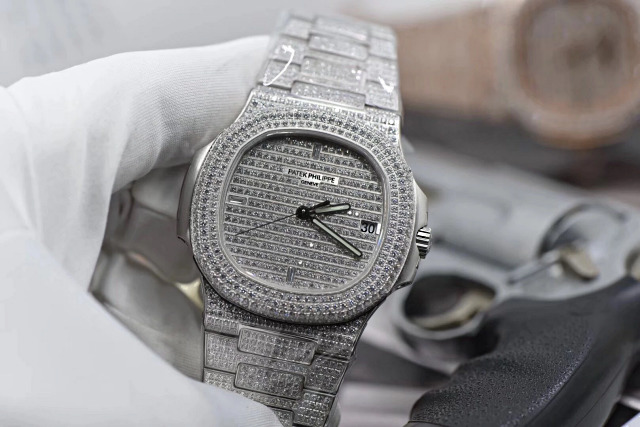 Replica Patek Philippe 5711 Full Diamonds