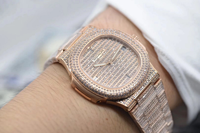Replica Patek Philippe Full Diamond Wrist Shot