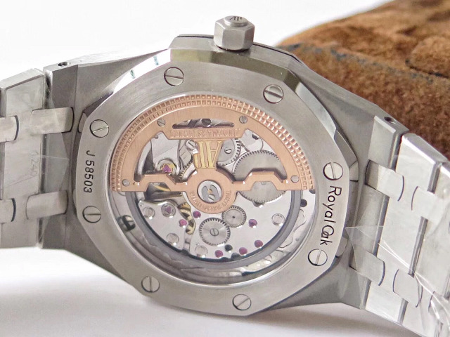 Audemars Piguet 15202 Crystal Back