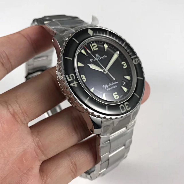 Replica Blancpain Fifty Fathoms Sapphire Crystal Bezel
