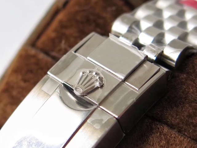 Rolex GMT-Master 126710BLNR Buckle