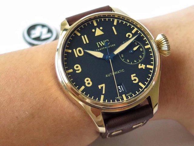 IW501005 Wrist Shot