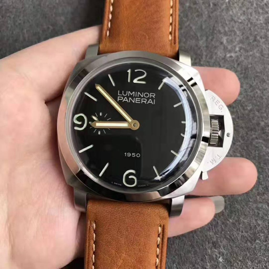 PAM 127 Replica Watch