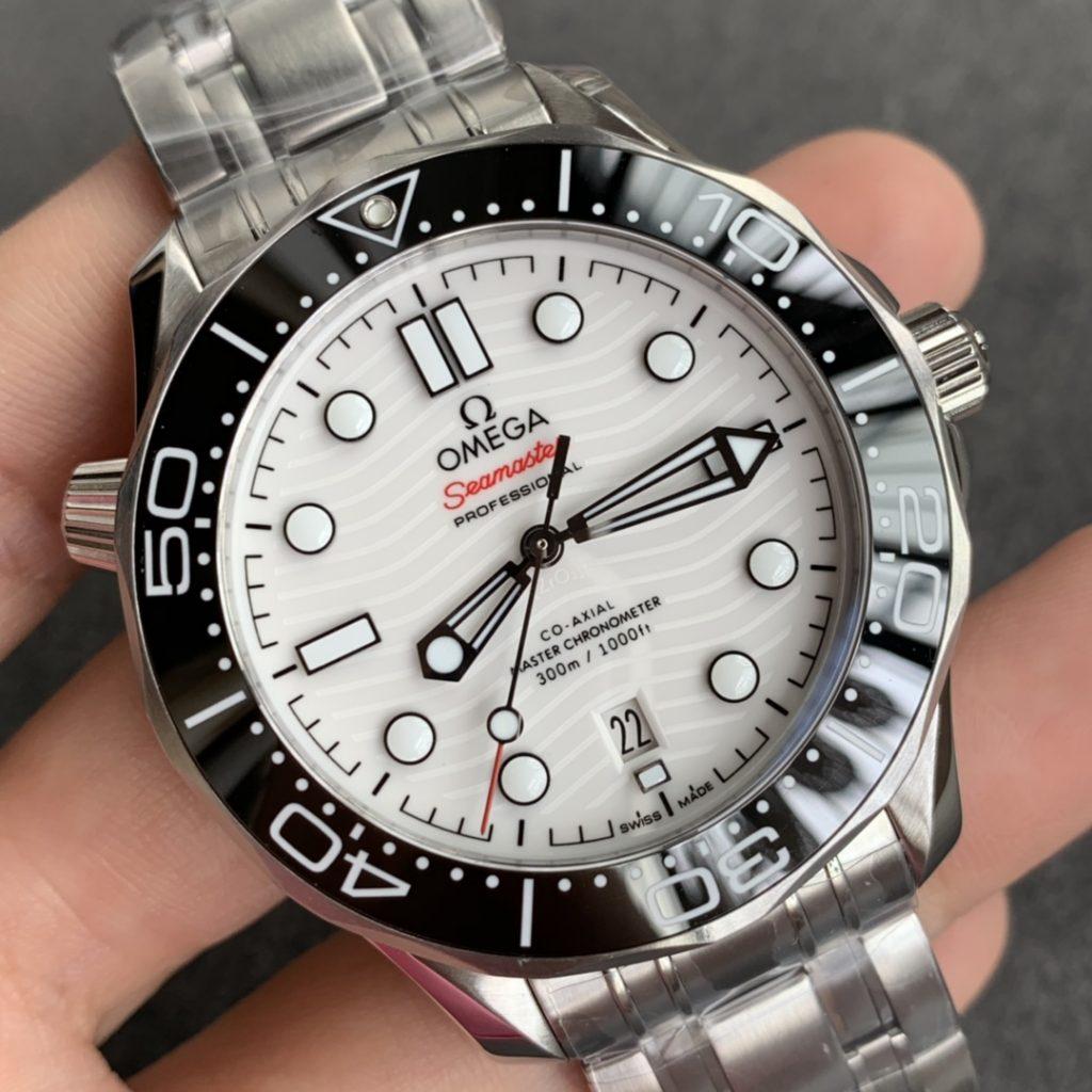 Replica Omega Seamaster Diver 300m White