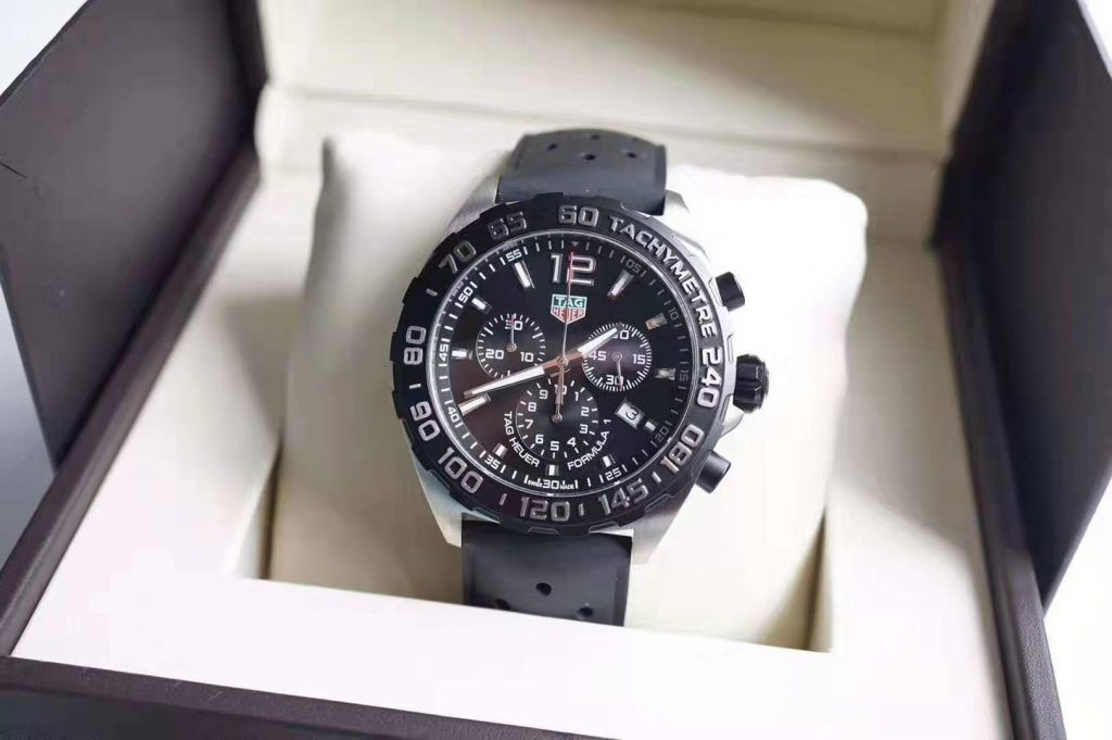 Relica Tag Heuer Quartz Chrono Black Rubber