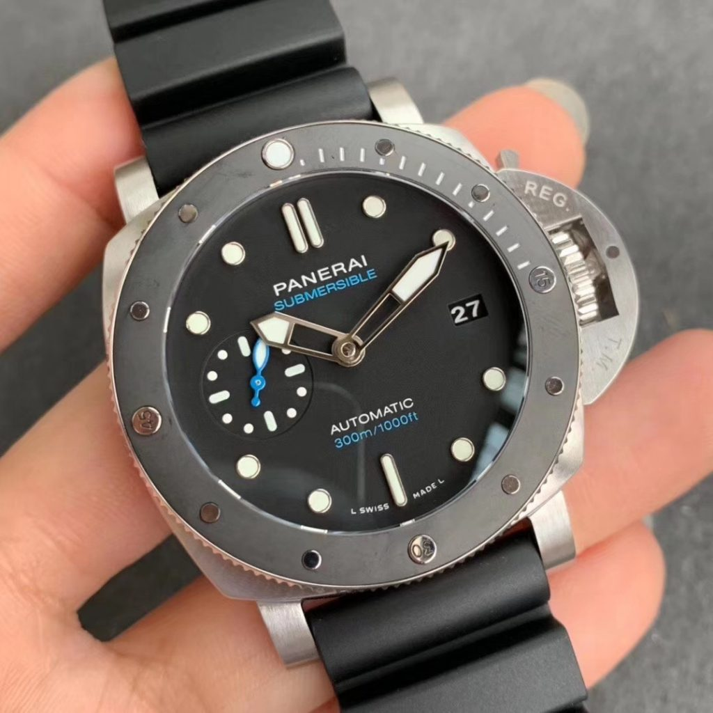Replica Panerai Submersible 42mm
