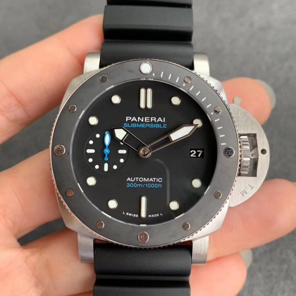 Replica Panerai Submersible PAM 683