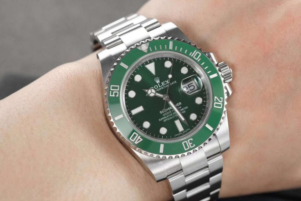 ZZF Rolex Green Submariner Wrist Shot