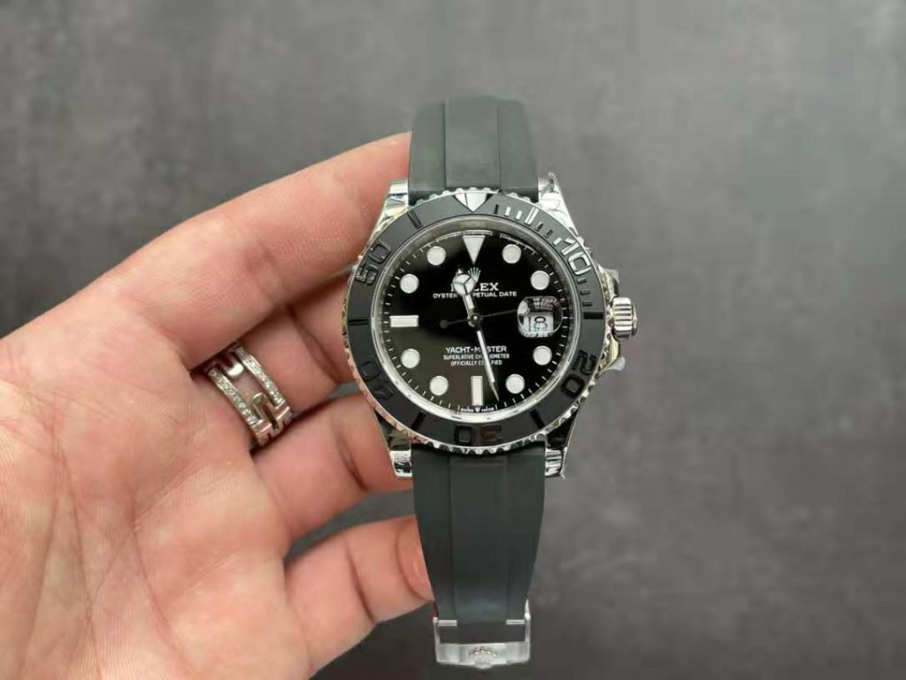 Replica Rolex YachtMaster 42mm Black Rubber