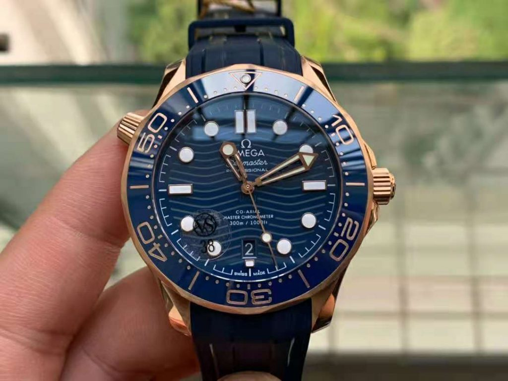 Replica Omega Seamaster 300m Diver Rose Gold Blue